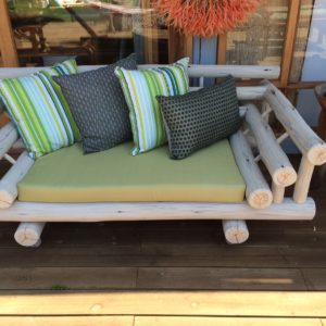 2 Seater White Gumpole Couch